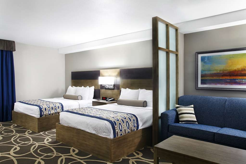 Best Western Plus Downtown North - Indulge yourself in our warm, welcoming and inviting Queen Suite