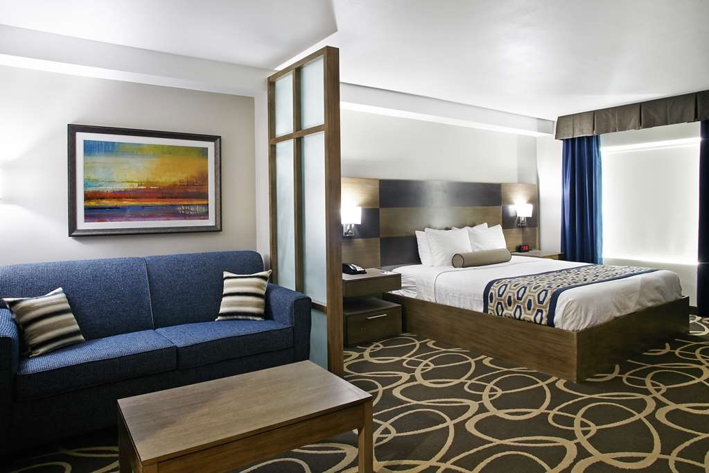 Best Western Plus Downtown North - Live in true luxury when you book a King Suite.