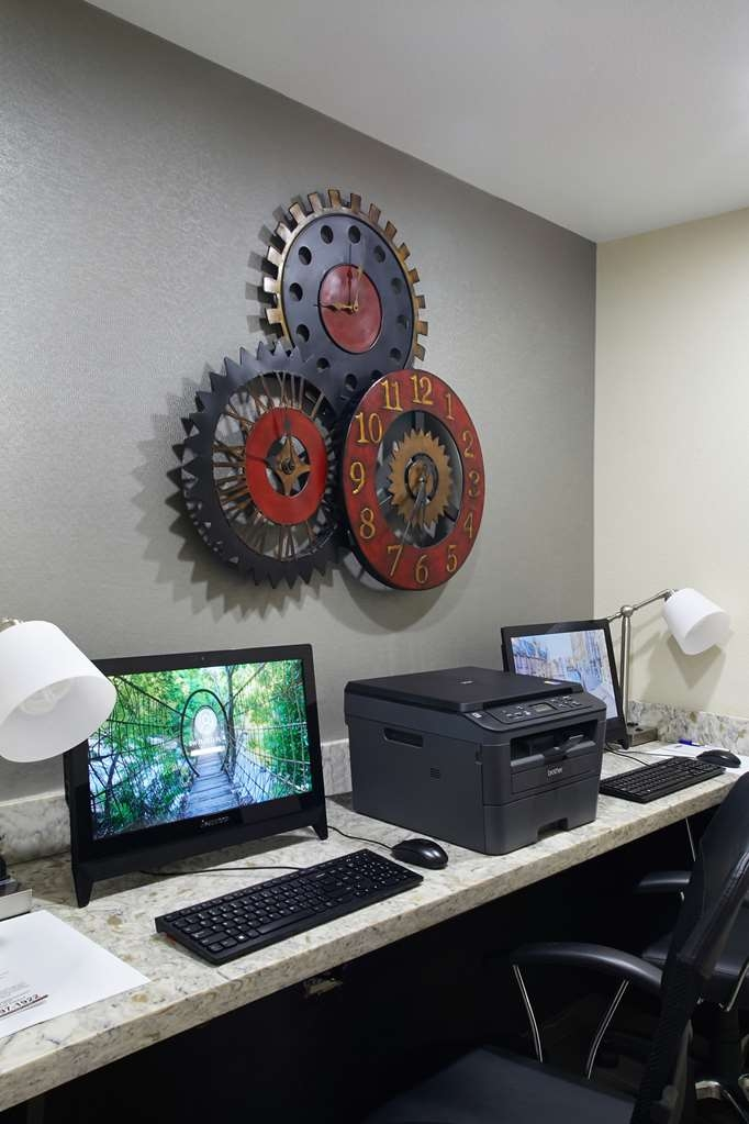 Best Western Plus Downtown North - Catch up with work in our 24-hour business center.