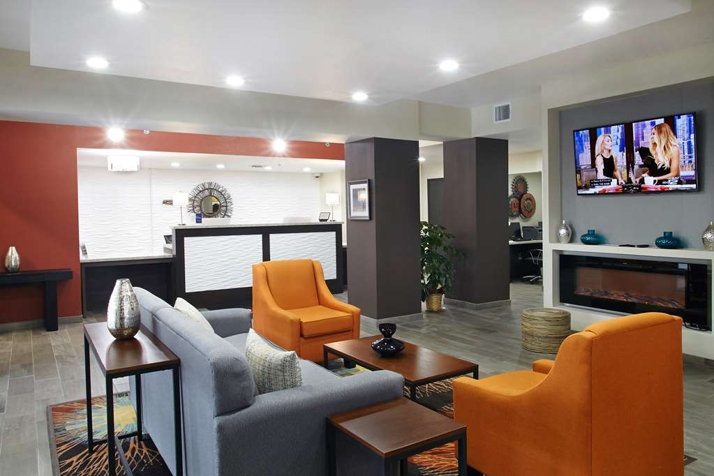 Best Western Plus Downtown North - The moment you step into our comfortable lobby, you'll feel like part of our family. Stay with people who care.