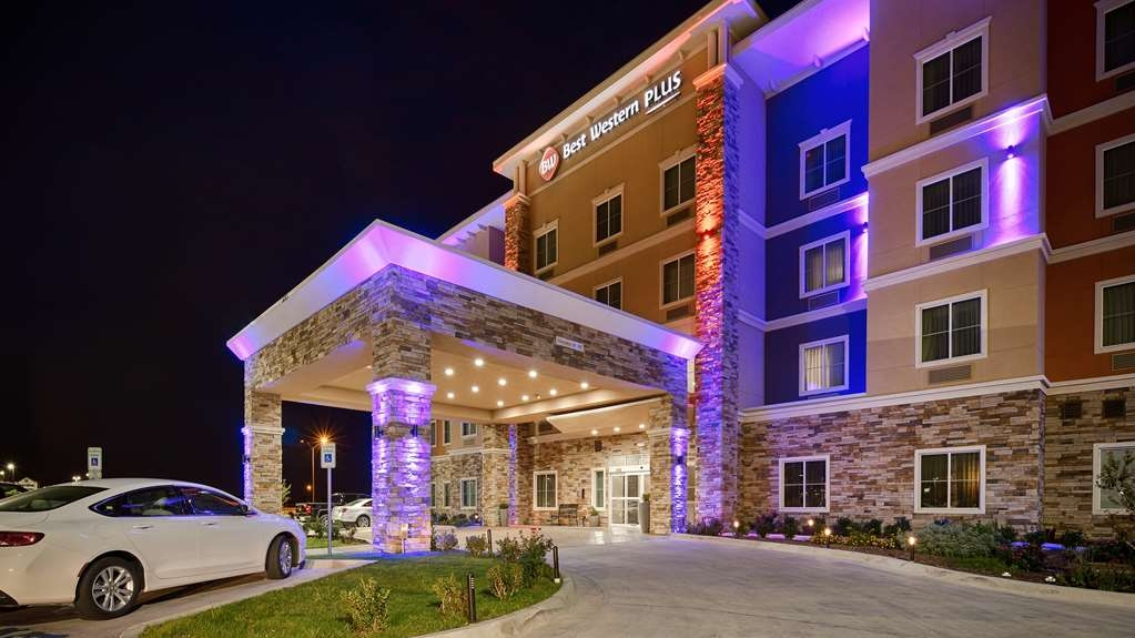 Best Western Plus Tech Medical Center Inn - Façade
