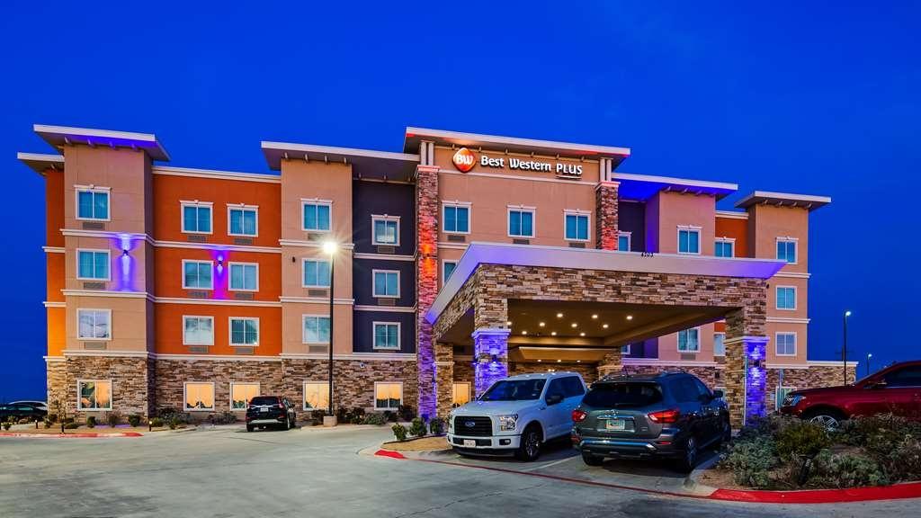 Best Western Plus Tech Medical Center Inn - Facciata dell'albergo