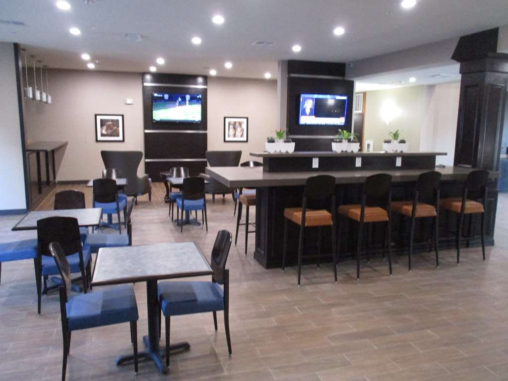 Best Western Plus Big Lake Inn - Our breakfast room offers intimate dining for couples and smaller groups.