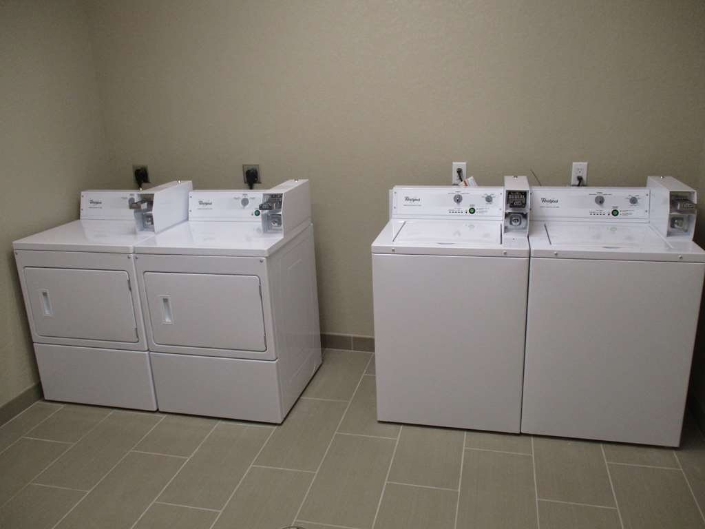 Best Western Plus Galveston Suites - Our pay guest laundromat is available for our guest use.
