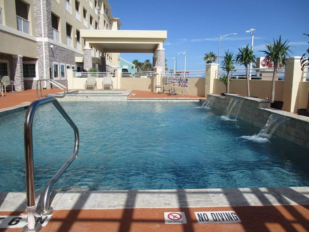 Best Western Plus Galveston Suites - Vista de la piscina