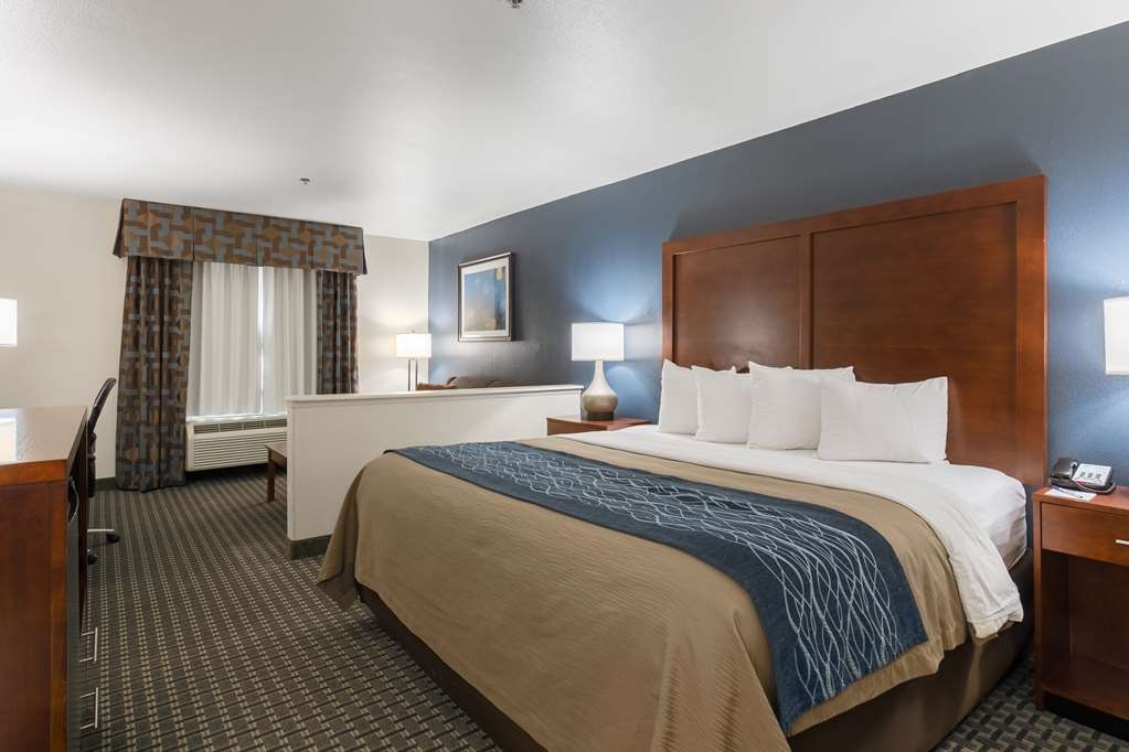 Best Western Northwest Corpus Christi Inn & Suites - Sink into our comfortable beds each night and wake up feeling completely refreshed.