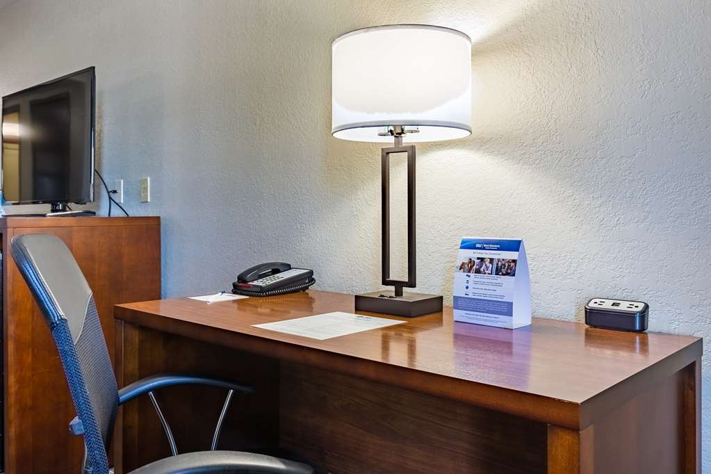 Best Western Northwest Corpus Christi Inn & Suites - A work desk is available in all of our guest rooms, ideal for the road warrior who needs to get the job done.
