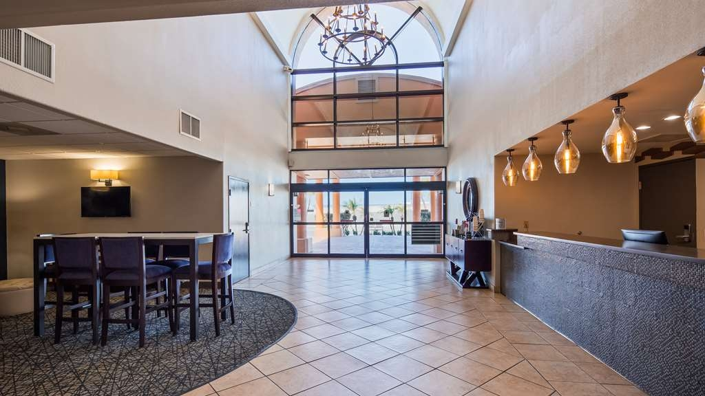 Best Western Northwest Corpus Christi Inn & Suites - Vista del vestíbulo