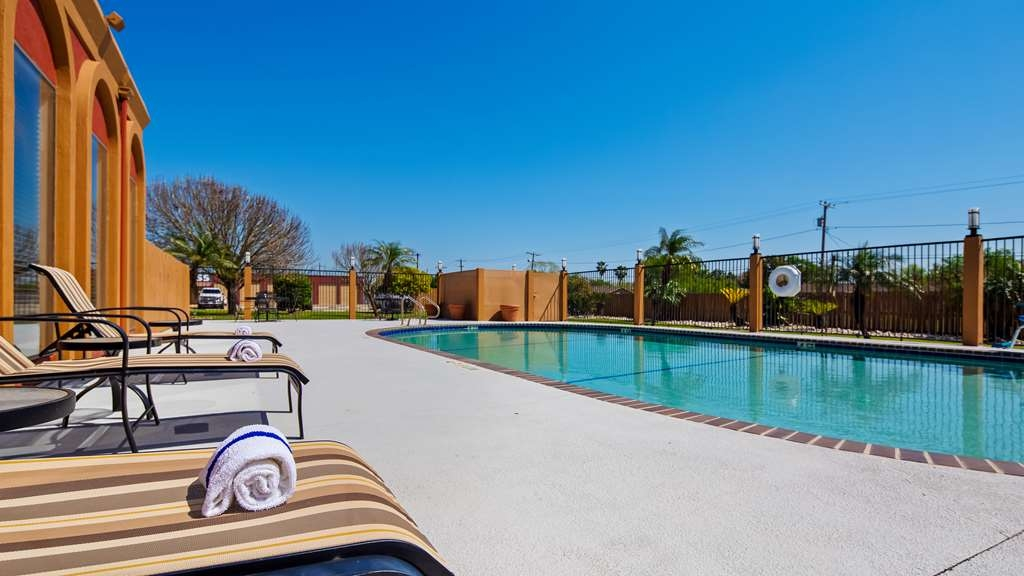 Best Western Northwest Corpus Christi Inn & Suites - Vue de la piscine