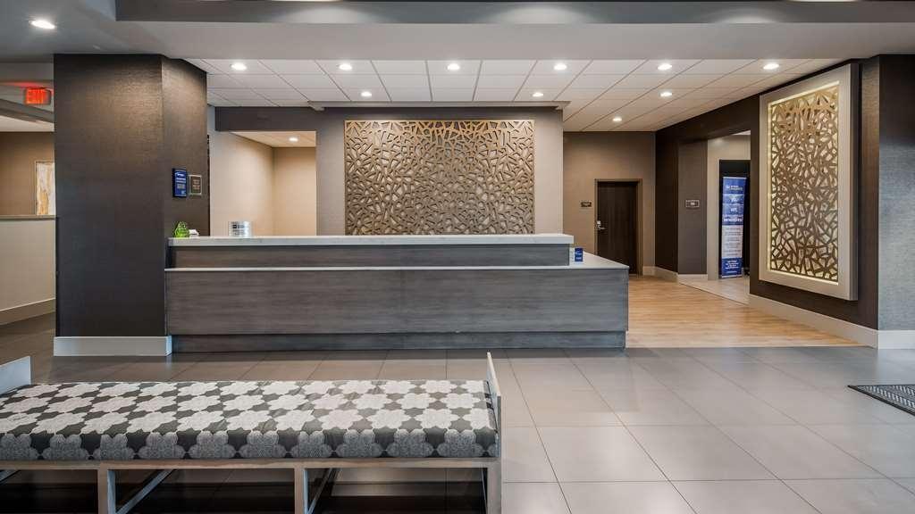 Best Western Premier Energy Corridor - Lobby & Reception Area