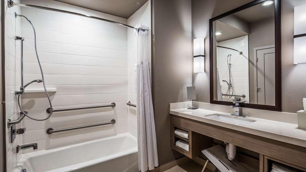 Best Western Premier Energy Corridor - Accessible Guest Bathroom