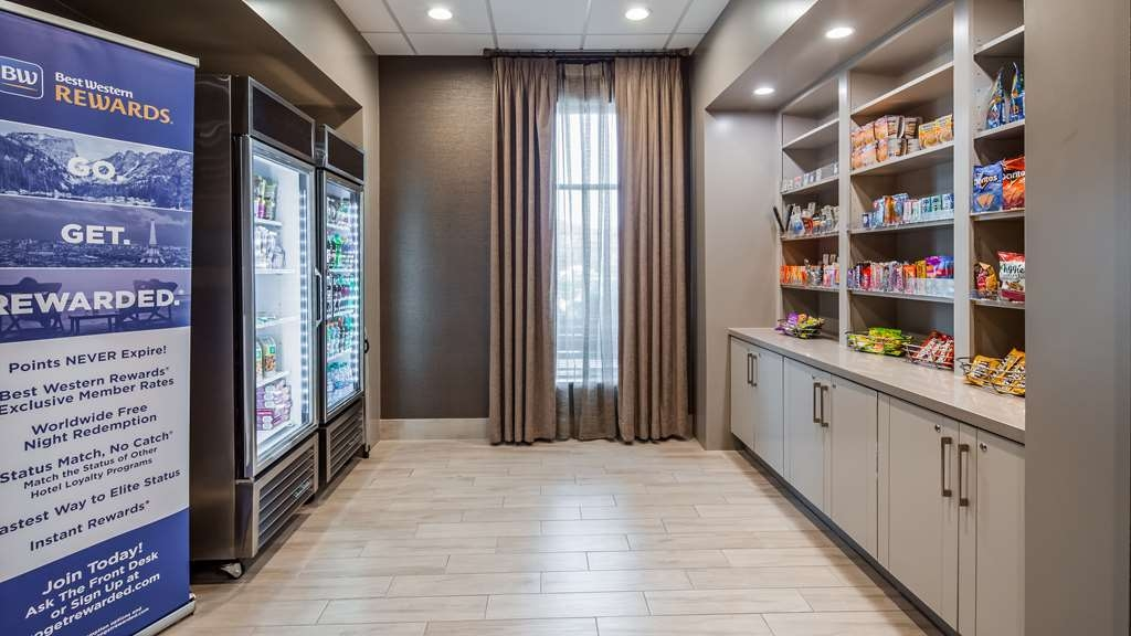 Best Western Premier Energy Corridor - Sweets and Beverage Shop