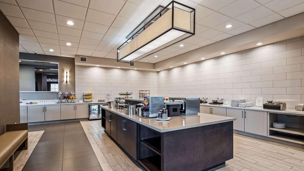 Best Western Premier Energy Corridor - Breakfast Bar
