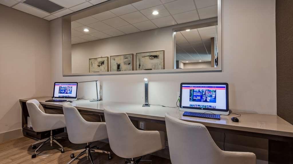 Best Western Premier Energy Corridor - Business Center