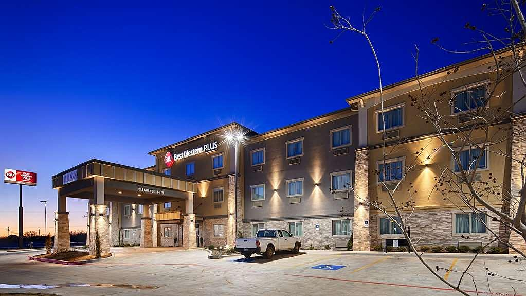 Best Western Plus Lonestar Inn & Suites - Area esterna