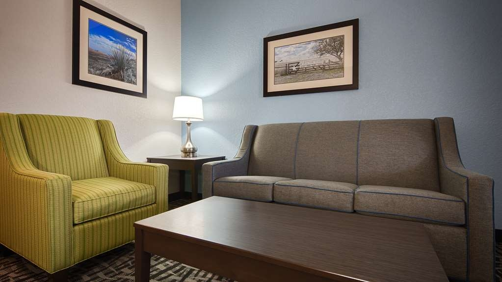 Best Western Plus Lonestar Inn & Suites - Suite
