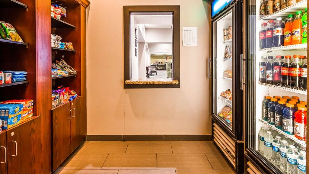 Best Western Red River Inn - Pantry