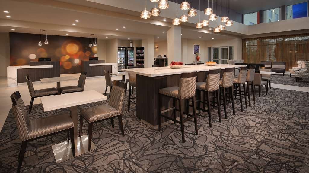 Best Western Plus Executive Residency Baytown - Restaurant / Gastronomie