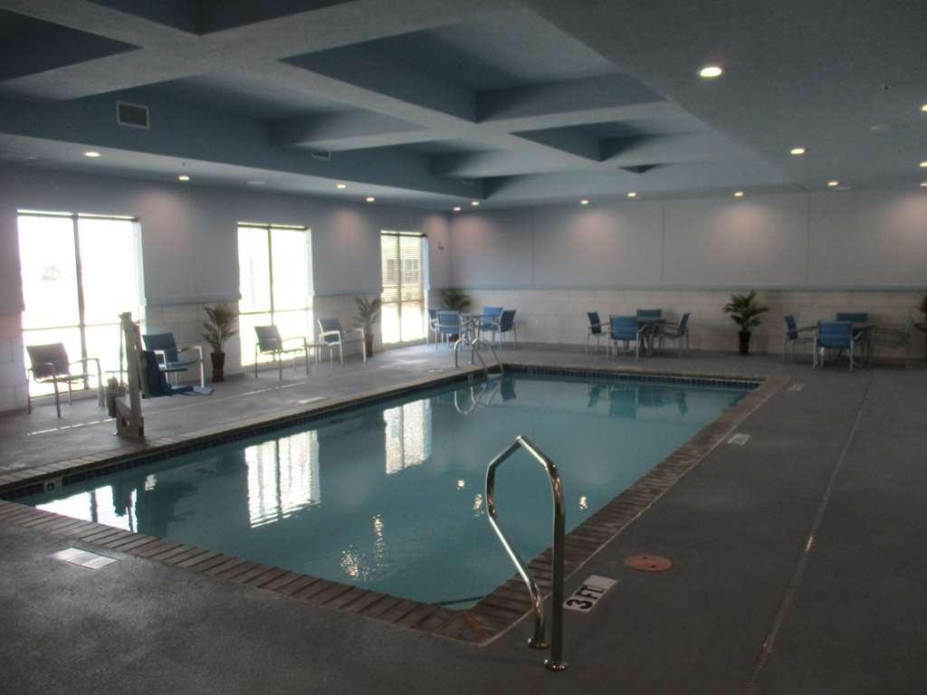 Best Western Plus Buda Austin Inn & Suites - Piscina