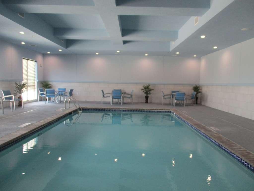 Best Western Plus Buda Austin Inn & Suites - Vue de la piscine