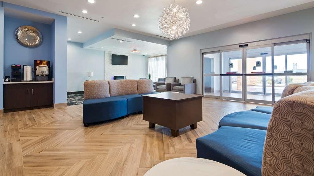 Best Western Plus Buda Austin Inn & Suites - Vue du lobby