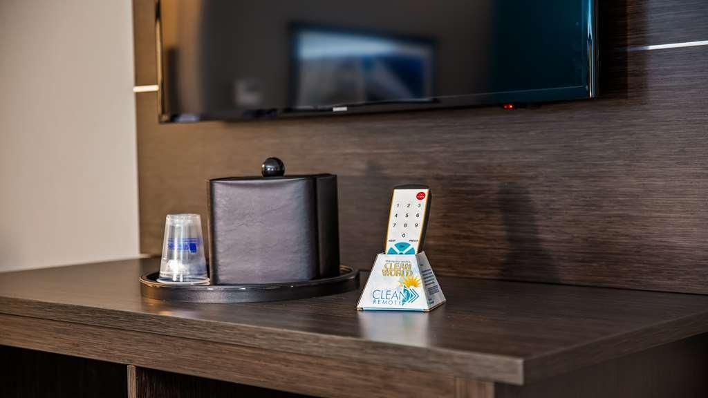 Best Western Plus Pasadena Inn & Suites - habitación de huéspedes-amenidad