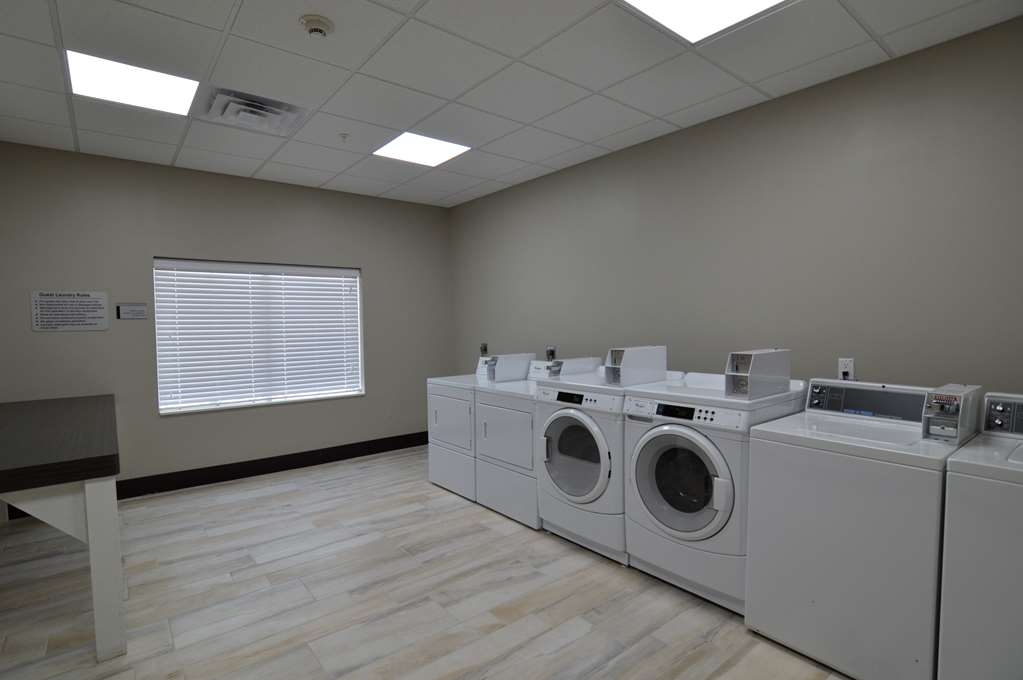Best Western Plus Pasadena Inn & Suites - Our spacious guest laundry room is open 24 hours a day for your convenience. Laundry detergent & fabric softener is available in our sundry shop.