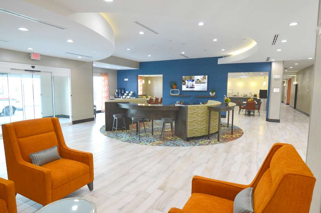 Best Western Plus Pasadena Inn & Suites - Our beautifully designed lobby is welcoming to both the business traveler as well as for gathering with family and friends!
