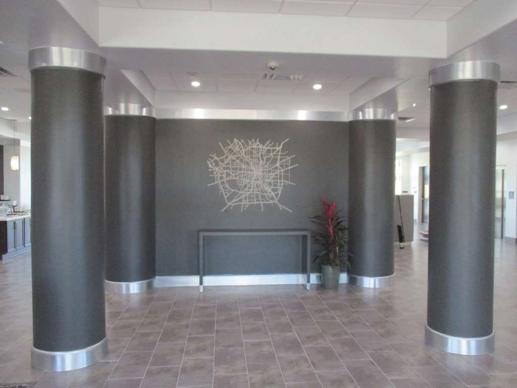 Best Western Plus Roland Inn & Suites - Lobby