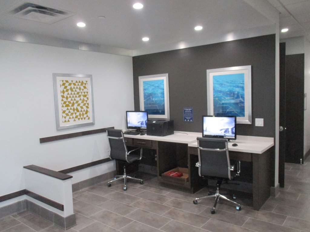 Best Western Plus Roland Inn & Suites - Business Center