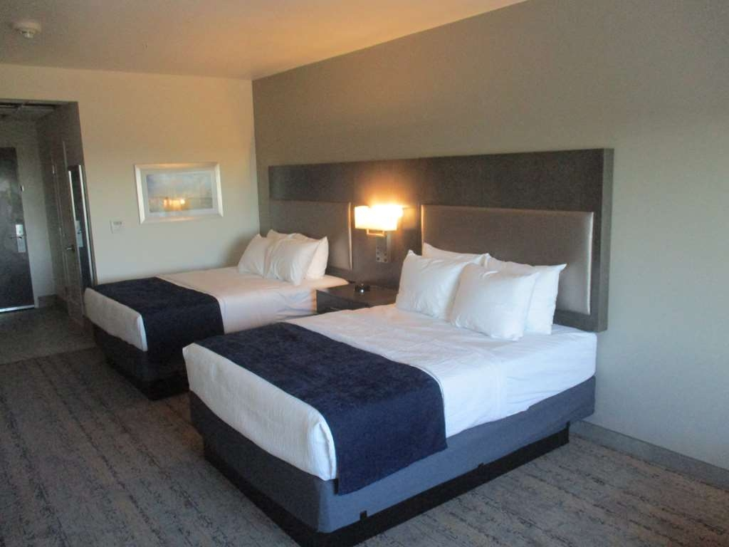 Best Western Plus Roland Inn & Suites - Double Queen Guest Room