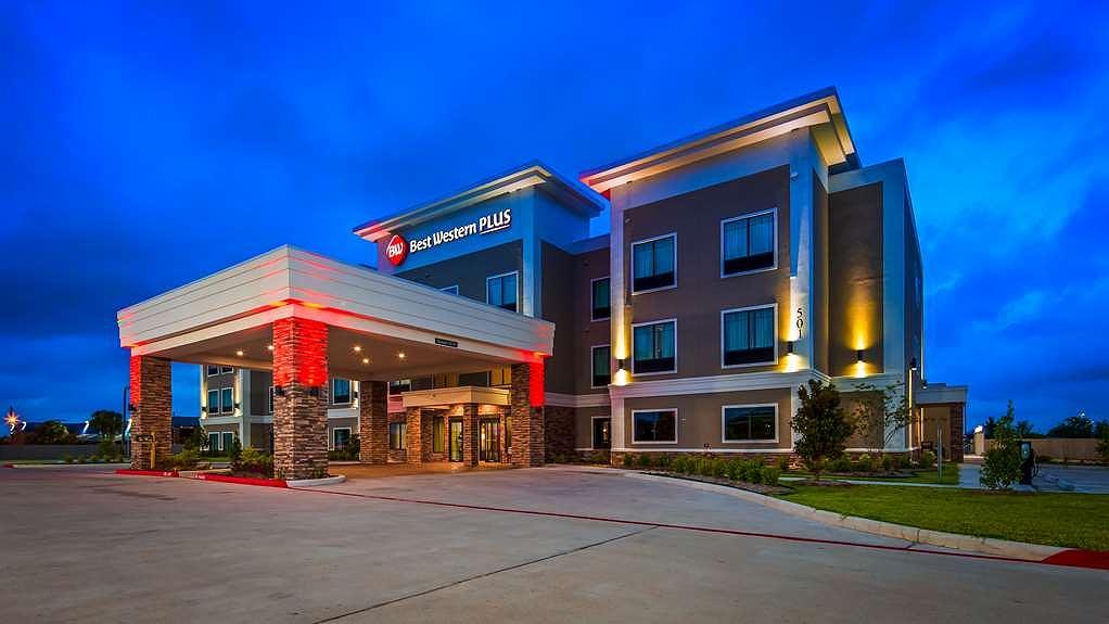 Best Western Plus Bay City Inn & Suites - Aussenansicht