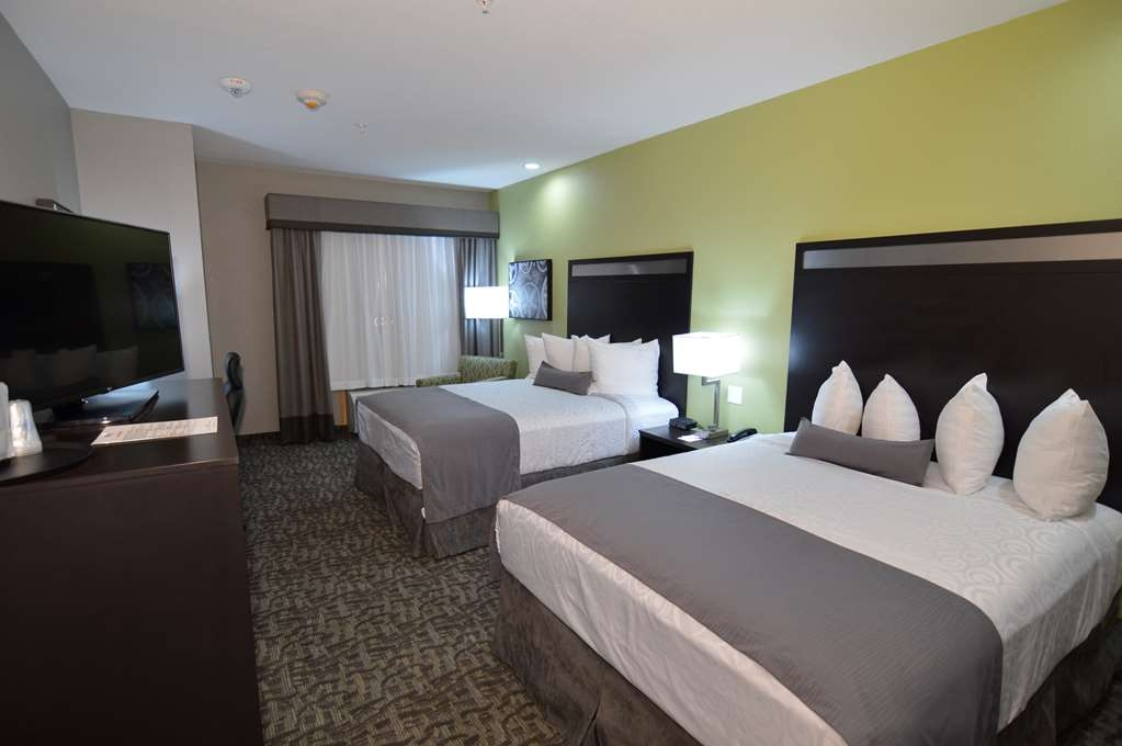 Best Western Plus Bay City Inn & Suites - Mobility Accessible Double Queen Guest Room
