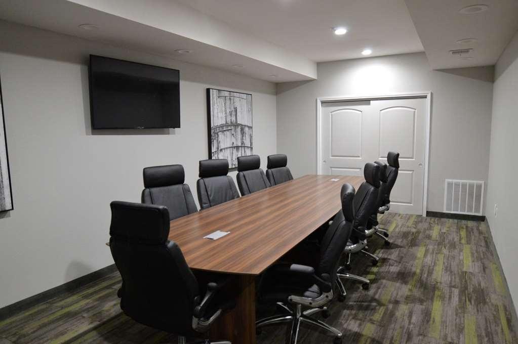 Best Western Plus Bay City Inn & Suites - Meeting Room