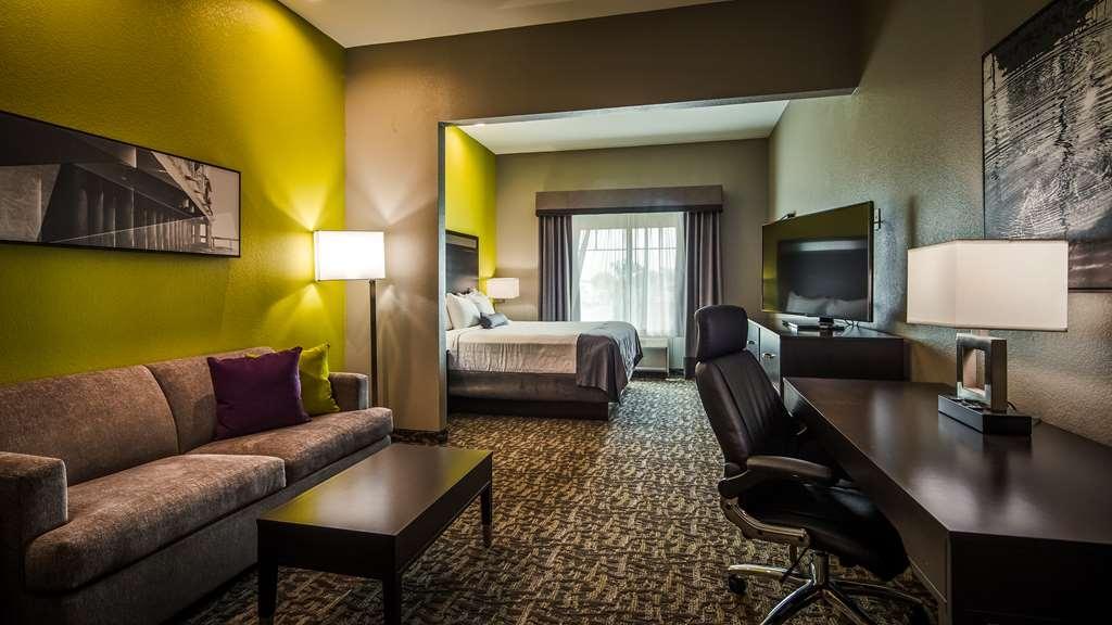 Best Western Plus Bay City Inn & Suites - Single King Guest Suite