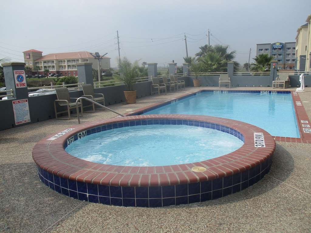 Best Western Galveston West Beach Hotel - Seasonal Hot Tub and Outdoor Pool
