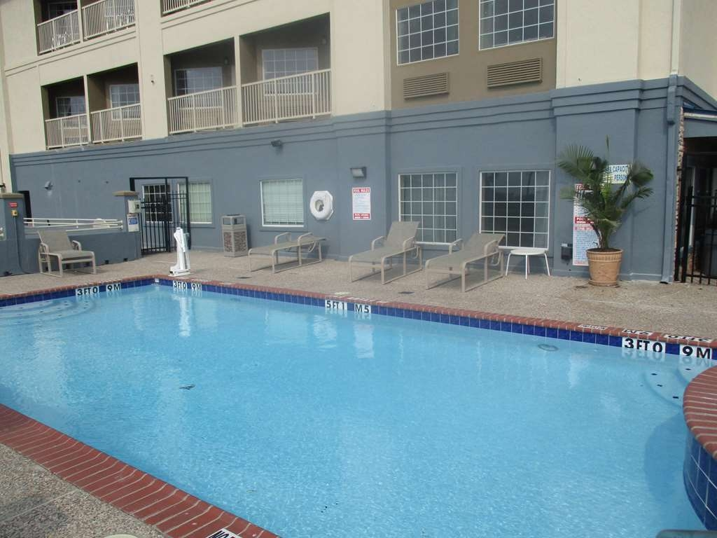 Best Western Galveston West Beach Hotel - Seasonal Outdoor Pool