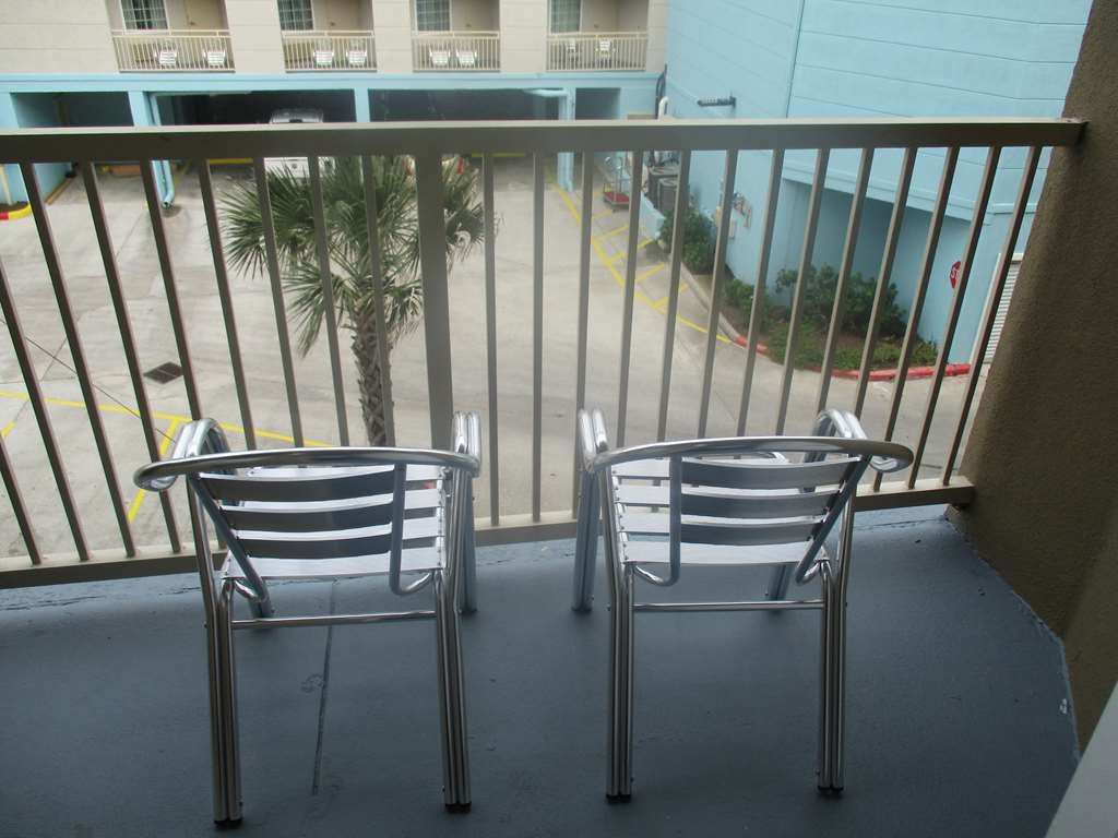 Best Western Galveston West Beach Hotel - Guest Room Balcony