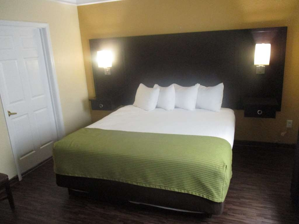 Best Western Galveston West Beach Hotel - Room with King Bed