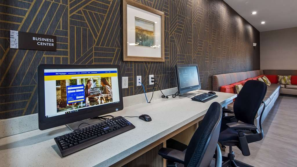 Best Western Plus Houston I-45 North Inn & Suites - Business Center