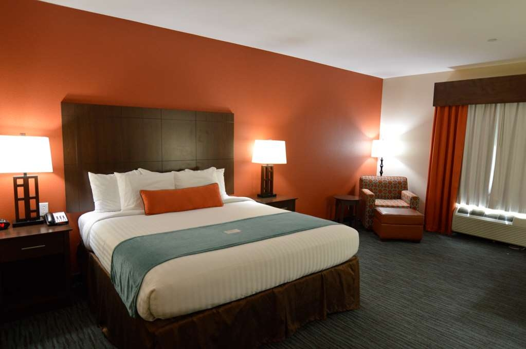 Best Western Plus Longhorn Inn & Suites - Sink into the comfort of our King rooms.
