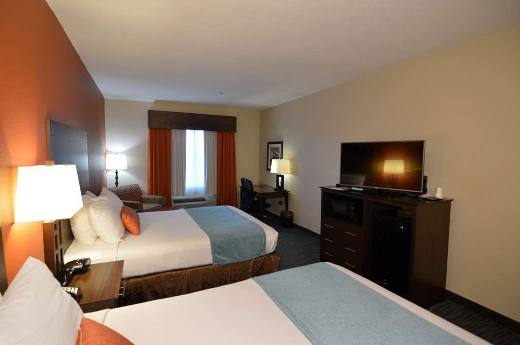 Best Western Plus Longhorn Inn & Suites - Fresh and modern look that will make you feel right at home.