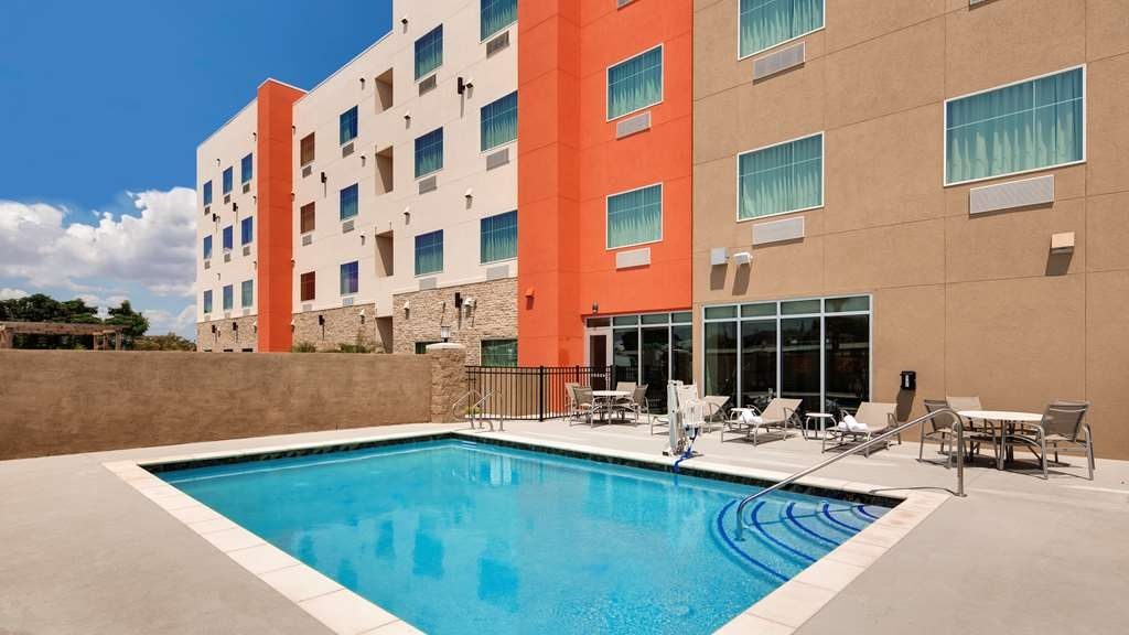 Best Western Plus Executive Residency IH-37 Corpus Christi - Vue de la piscine