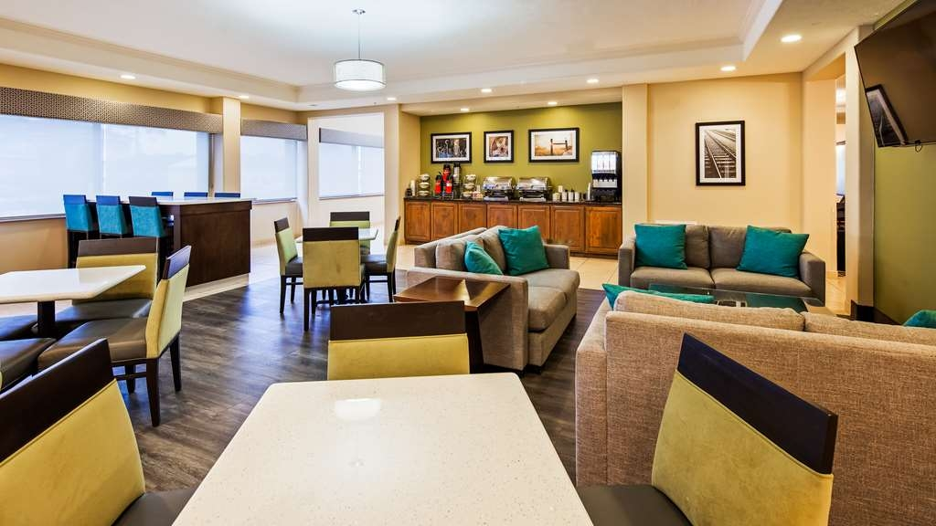 Best Western Franklin Town Center Hotel & Suites - Breakfast Dining Area