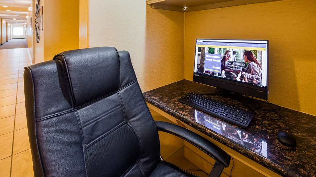 Best Western Franklin Town Center Hotel & Suites - Business Center