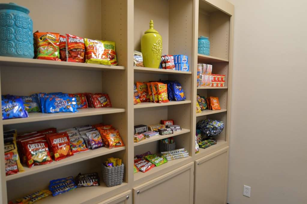 Best Western Franklin Town Center Hotel & Suites - Pantry