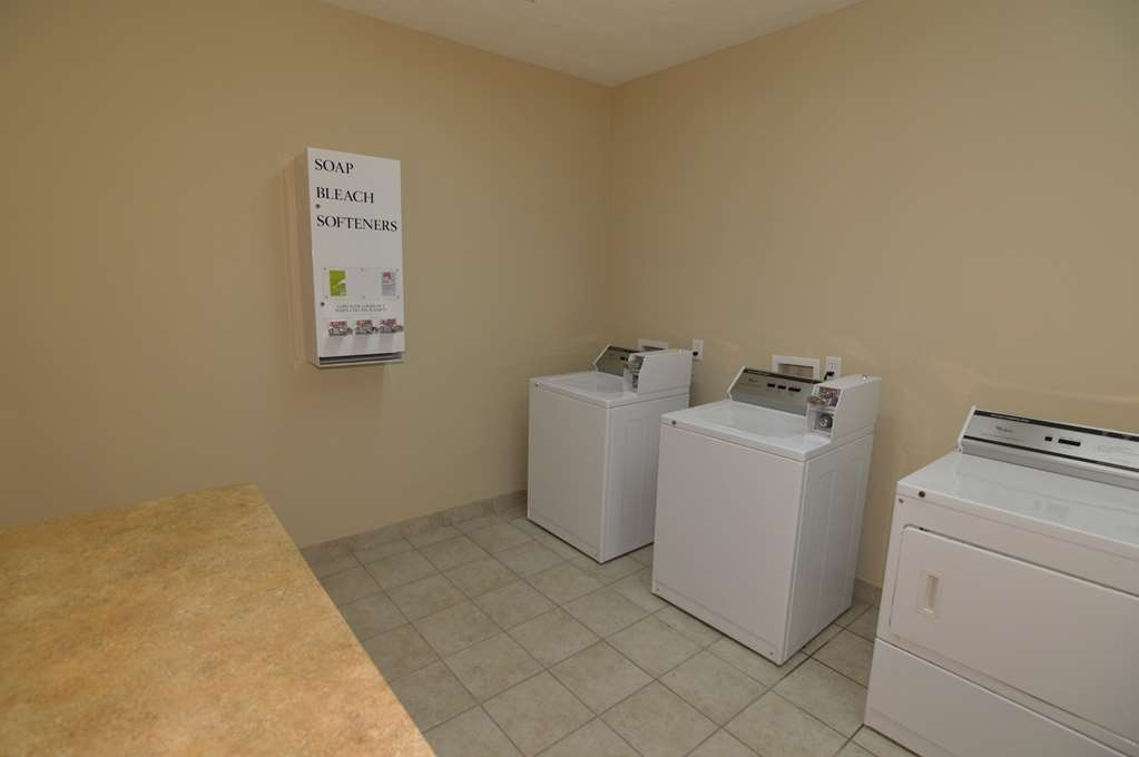 Best Western Franklin Town Center Hotel & Suites - Guest Laundry Facility