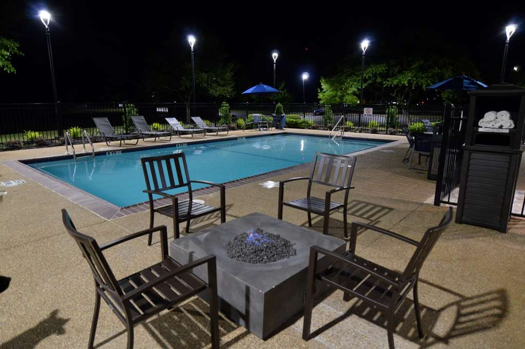 Best Western Plus Longview South Hotel - Vue de la piscine