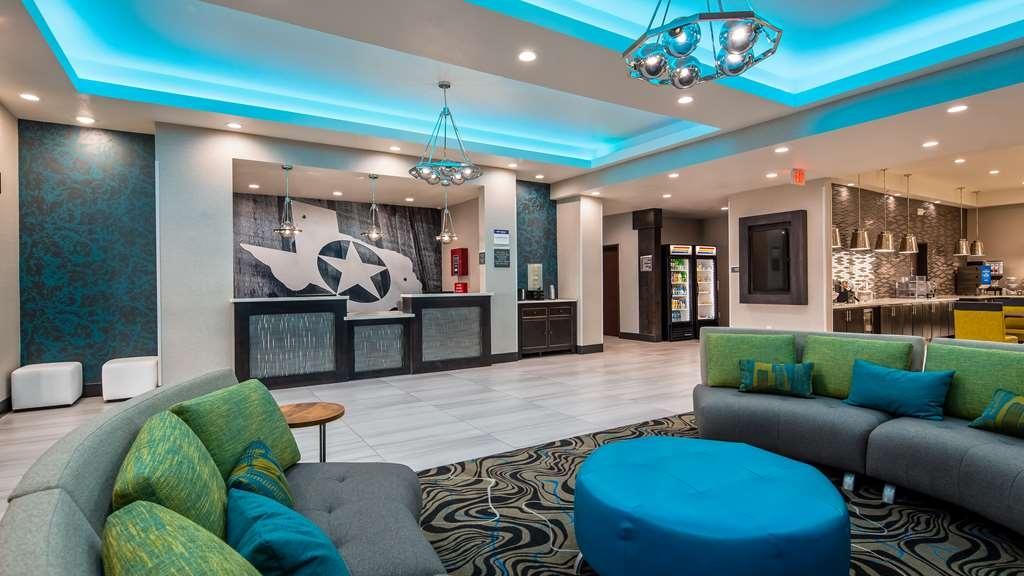 Best Western Plus Waller Hotel - Hall