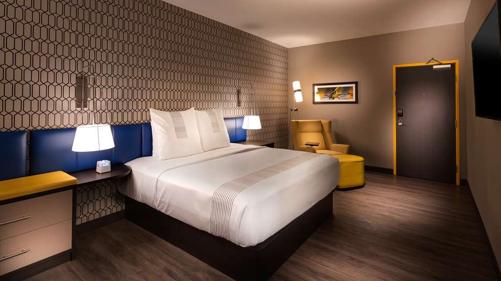 GLo Best Western DeSoto Dallas - Live in true luxury when you book any of our rooms featuring gel-top mattresses, Herman Miller desk chair and refrigerators.